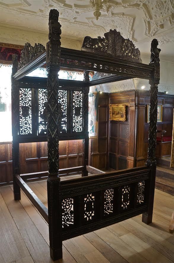 Tudor- Bed