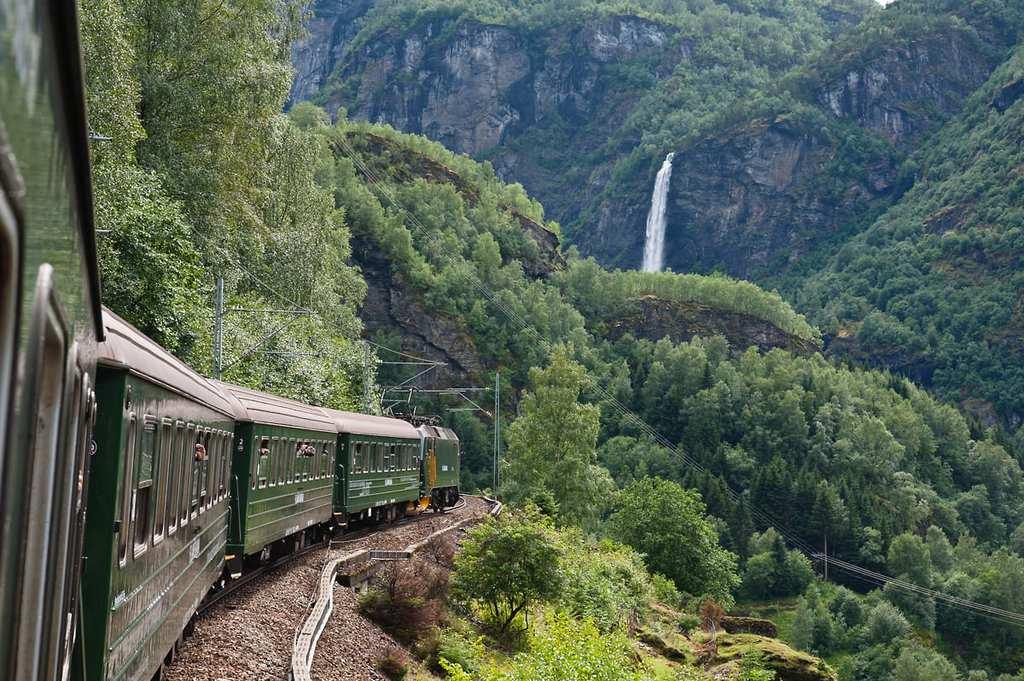 flam-railway-4-1200x798