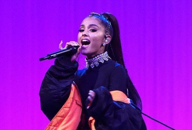 Ariana Grande Manchester 1