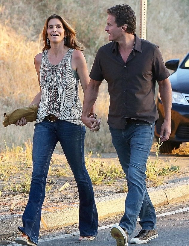 Who is married to cindy crawford