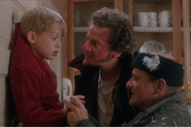 home alone finger scene joe pesci