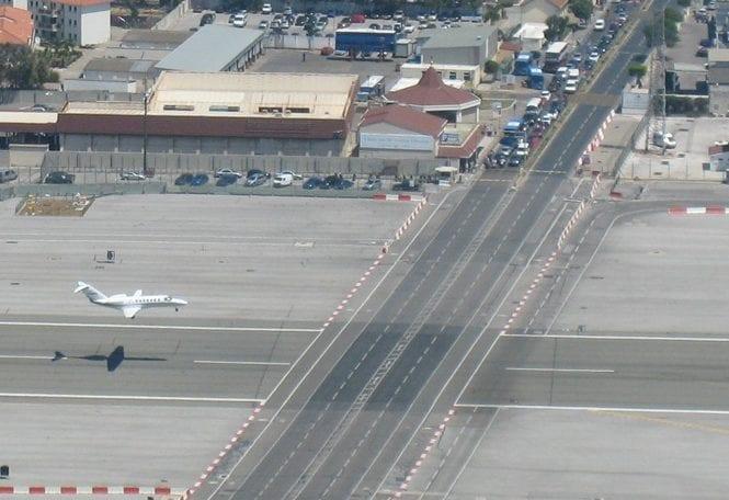 272061xcitefun-strange-airport-1-e1506173168972