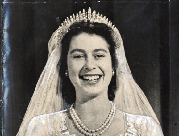 royal weddings- tiara
