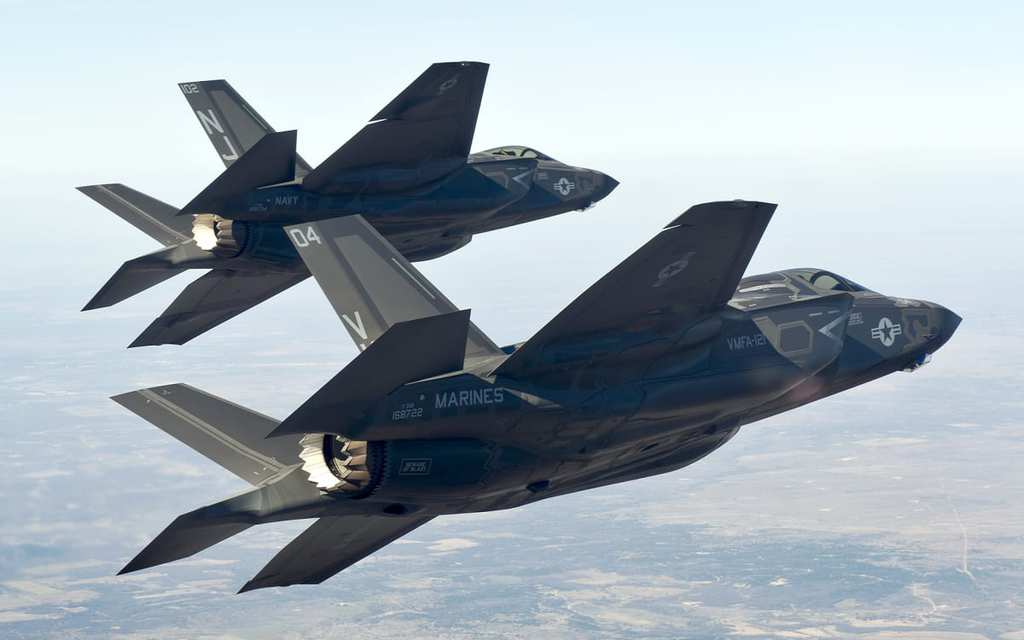 6781613-cool-f35-wallpaper