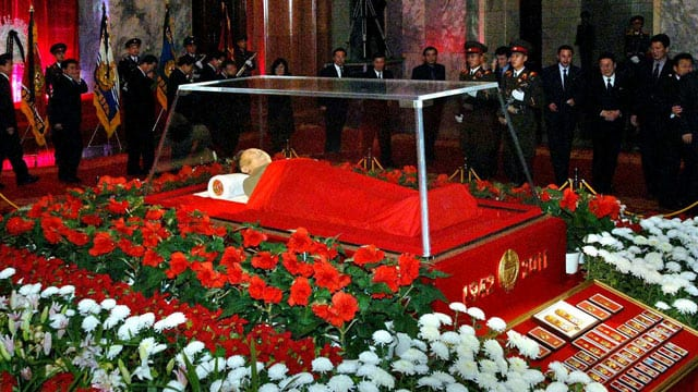 North Korea's Biggest Tourist Attraction- Kim Jong-il's preserved body