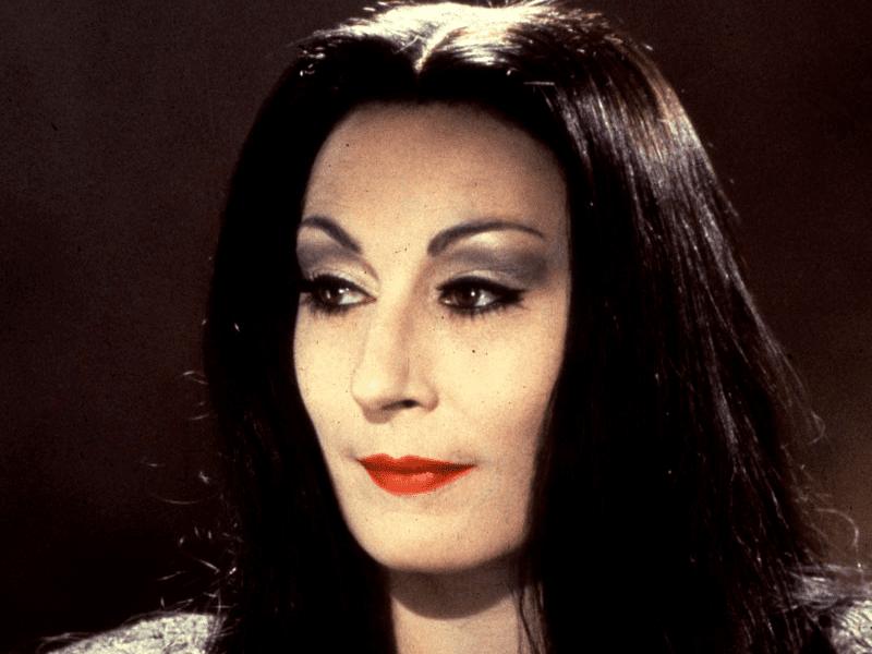 Morticia-Addams-morticia-addams-39082670-800-600