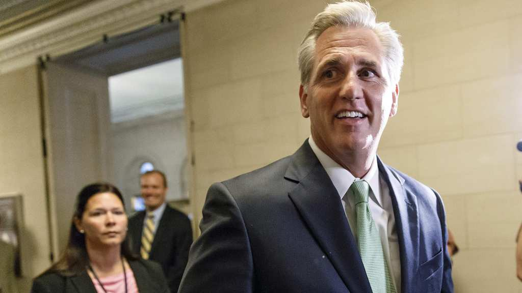 la-pn-mccarthy-elected-majority-leader-20140619