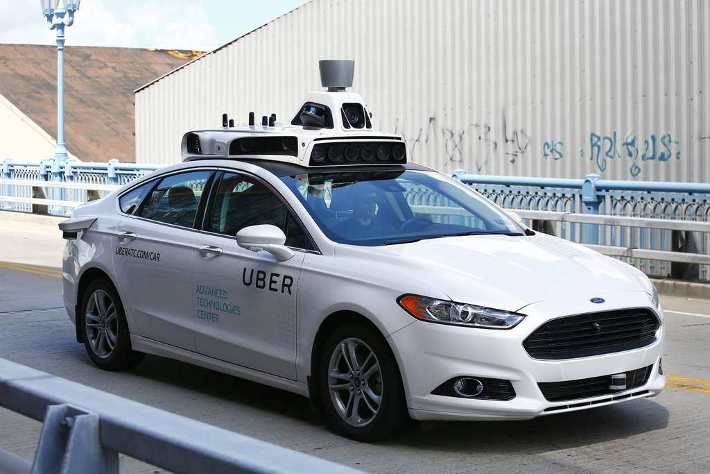 ct-driverless-cars-uber-ban-ordinance-chicago-bsi-20160914