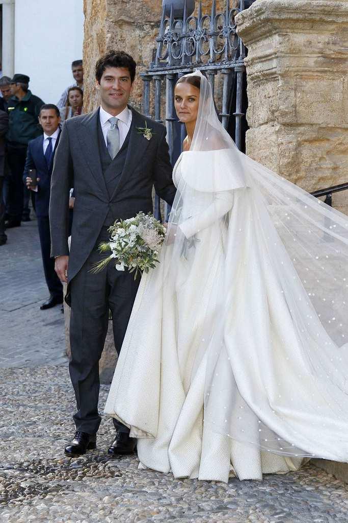Royal Wedding Cost.The Royal Wedding Dress Cost Dacc