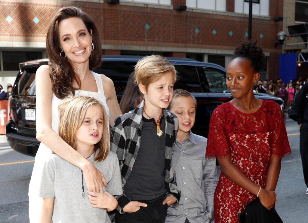 Boy or pitt girl shiloh a Angelina Jolie`s