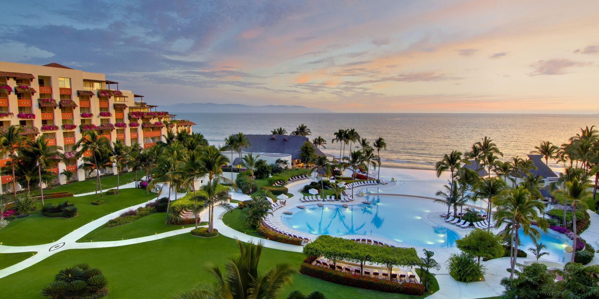 Luxury Hotel Chain Gives 100 Healthcare Experts Free Vacations